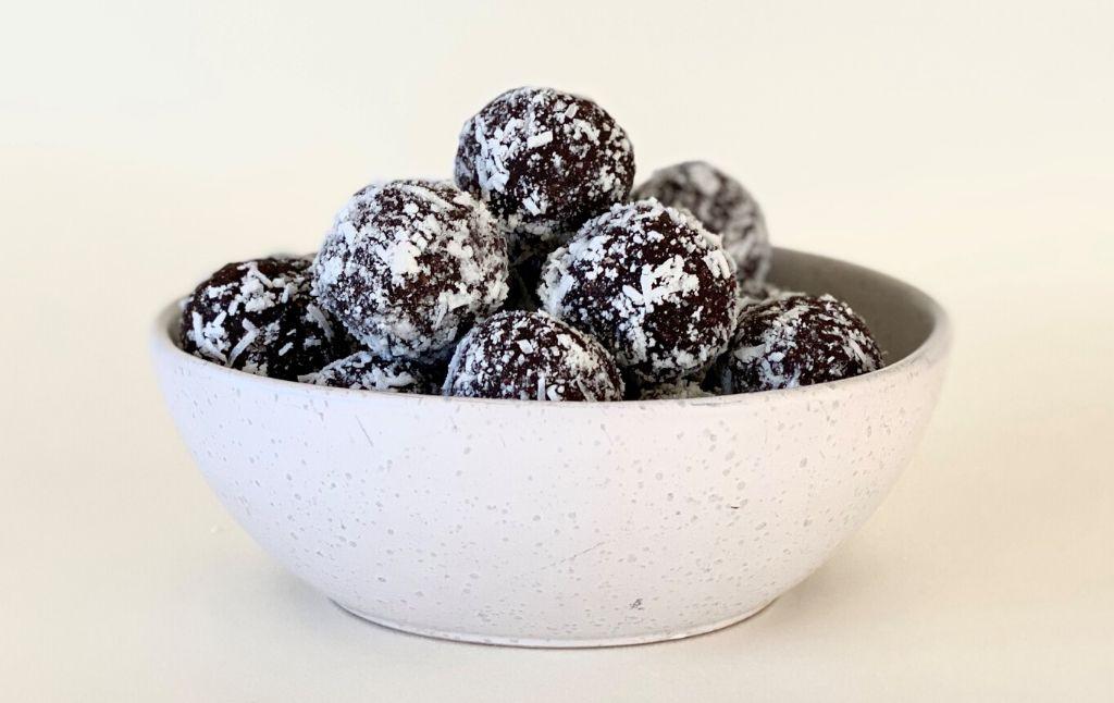 coconut date bliss ball recipe